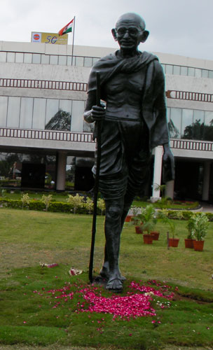 FULL SIZE GANDHI JI BRONZE STATUE WITH BALCK FINISH