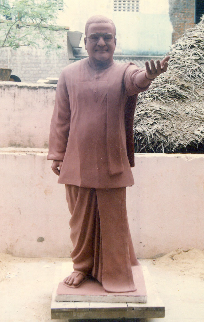BRONZE LIFE SIZE NTR STATUE